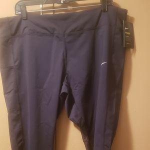 Plus-size nike tights